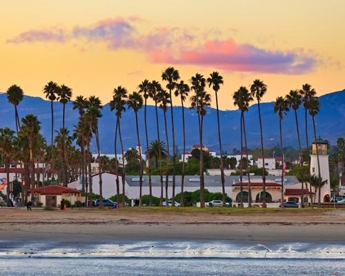 这个小镇历史悠久,是通往加州风景优美的中央海岸的入口.