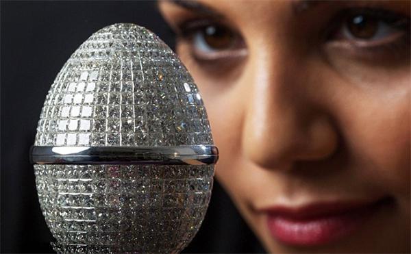 英打造奢华蛋形珠宝镶1000颗钻石 价值500万英镑