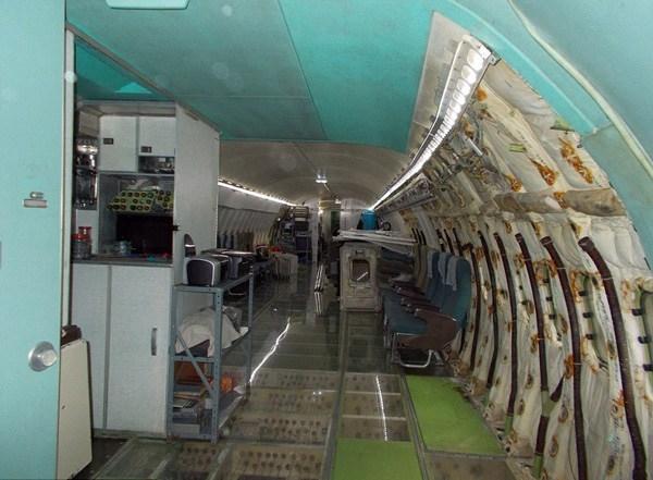 改造后的飞机内部生活设施齐全