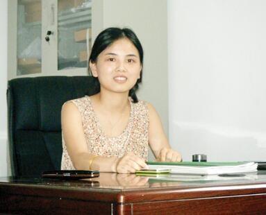 杭州美女大学生毕业后养猪年入百万成为最美猪倌