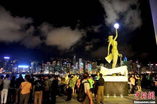 维多利亚港两岸的夜景与日本函馆和意大利那不勒斯并列世界三大夜景