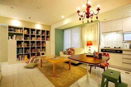 家居装修效果图:空间有限,所以做的是开放式厨房,放眼看去就能看到图片