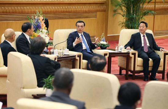 国务院总理李克强31日下午与出席亚洲新闻联盟年会的各国媒体负责人座谈。新华社