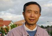 杨小凯:离诺贝尔奖最近的内地学者却早逝