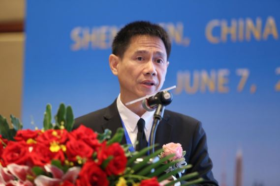 泰国证券交易所高级执行副总裁Dr. Santi Kiranand