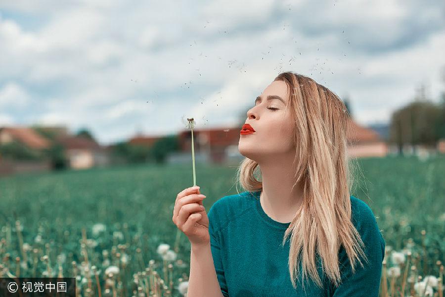 三别悲伤    哀痛是时间短的   在时间短的人生岁月中,谁都会碰到