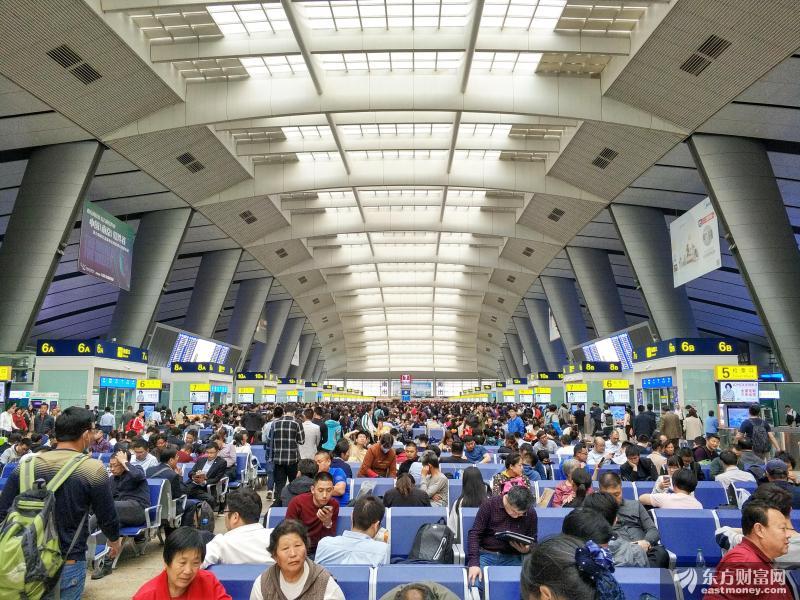 全国387个火车站开展进出站旅客测温筛查