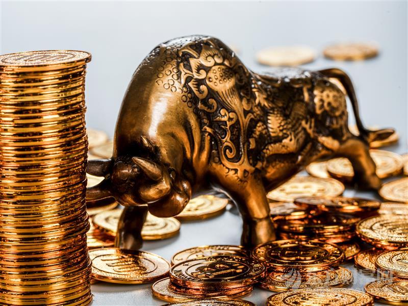 """避险与""""放水""""助推 黄金飞涨白银紧随 年内或续创历史纪录"""