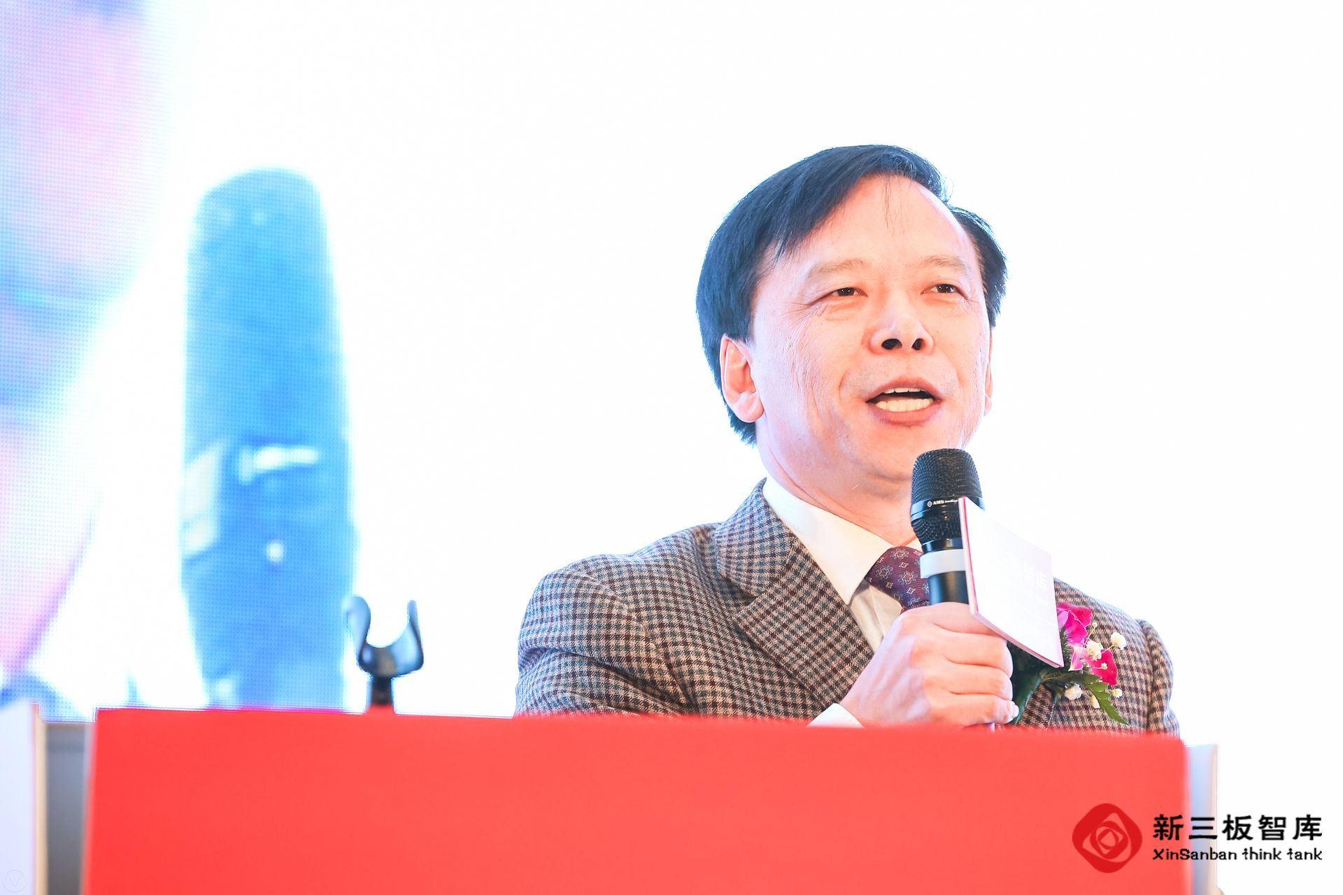 久银控股董事长、总裁李安民先生