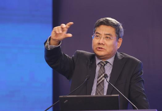袁志刚:过去十年资产价格上升太快 目前最大风险是高杠杆率