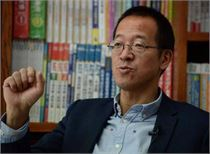 俞敏洪来到全国妇联向女同胞诚恳道歉:深感不安和自责