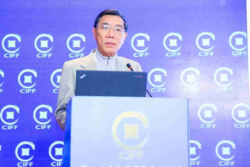 中国工商银行原董事长姜建清:基于金融+科技+数据+场景的新金融将是传统金融业转型的重点方向