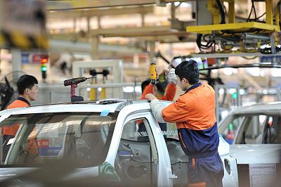 吉利为何想跟戴姆勒集团合作:产品线缺乏新能源车型