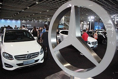 Daimler net income last year exceeded 10 billion euros strong performance in the Chinese market