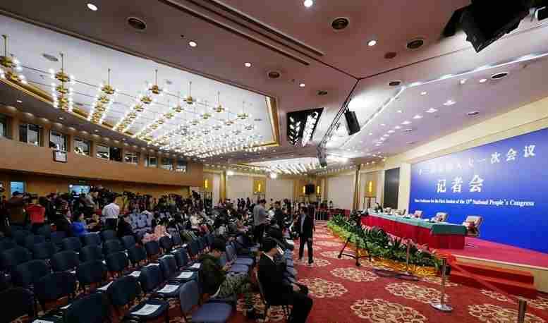 国资委答记者问:要使资源更多投向战略性新兴产业(实录)
