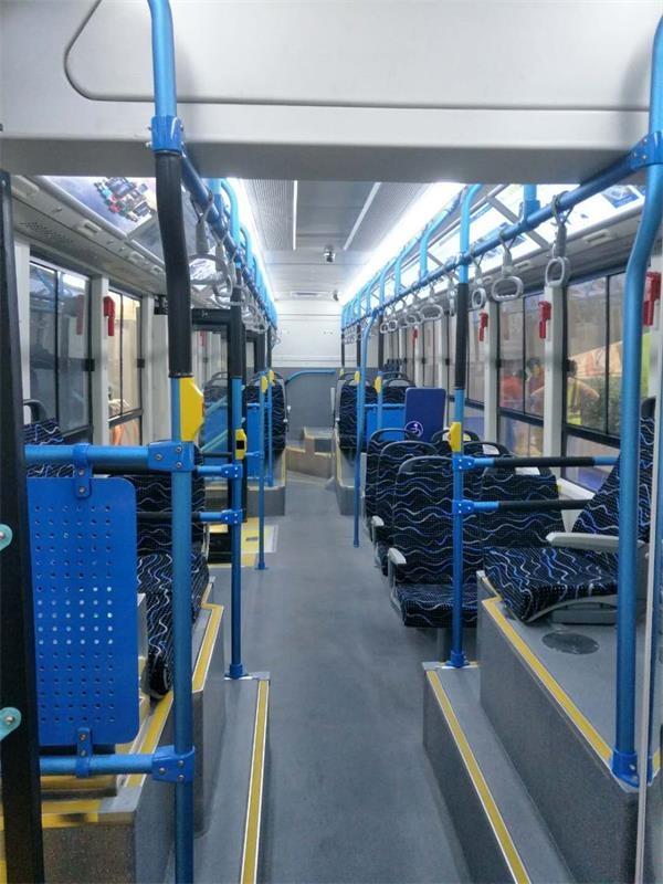 银隆新能源12米低地板纯电动公交车内饰