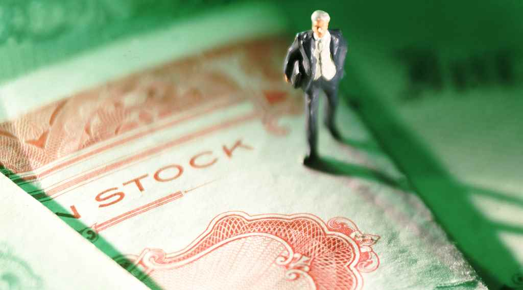 外管局副局长陆磊:保储备还是保汇率是一个伪命题