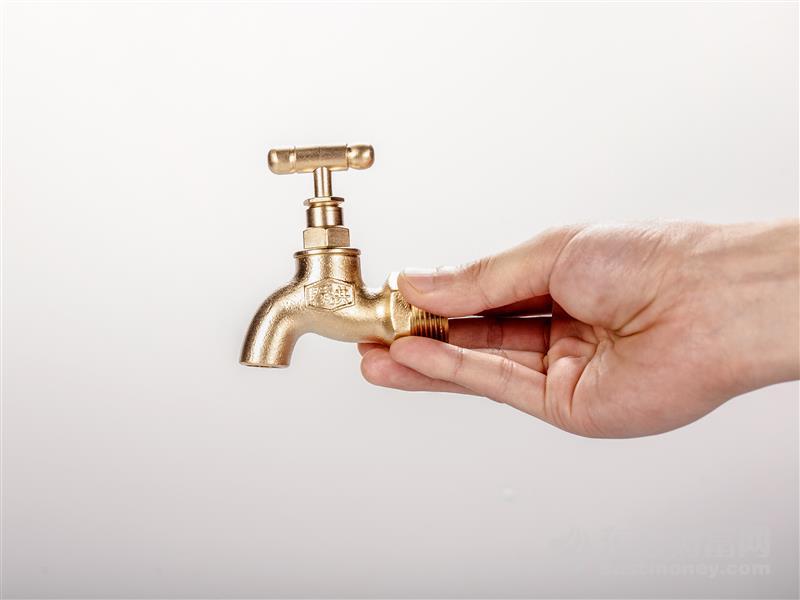 洛特斯技术人员:水解制氢发动机压力低储氢少 安全性高