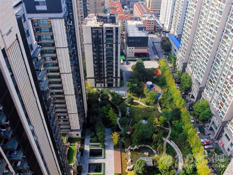 董茜:城市綜合運營是大型房企的轉型方向