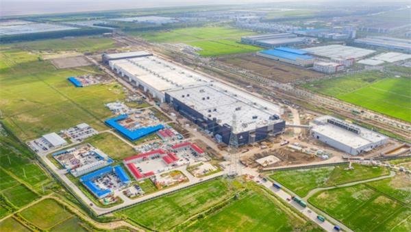 恒煊平台注册_临港新片区揭牌之际 特斯拉超级工厂取得首张综合验收合格证