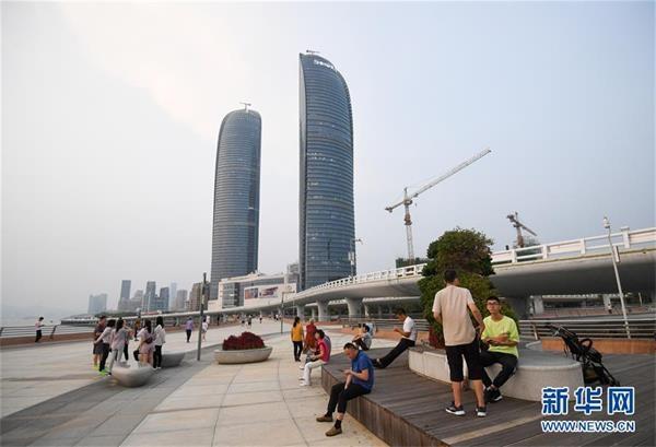 (新华全媒头条·图文互动)(8)创造新时代中国特色社会主义的更大稀奇——以习近平同志为中央的党中央关心经济特区发展纪实