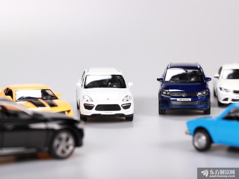 业绩爆发!3500亿比亚迪又新高 今年已飙涨170%!汽车行业持续复苏