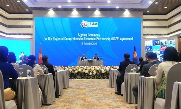 15个国家签署了RCEP,世界上最大的自由贸易协定!