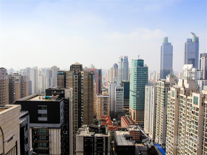 450亿疯狂抢房!深圳豪宅刷屏 买一套至少赚500万