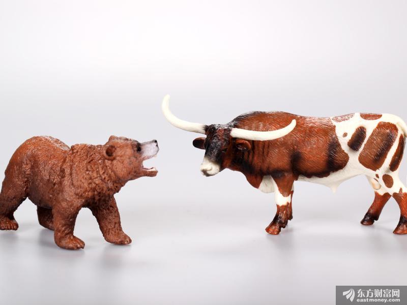 爆款基金日日刷屏 还有640亿基金在路上 沪指3000点已上 大牛市一触即发?