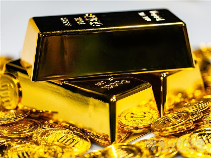 美联储紧急降息50基点 黄金暴涨超3%